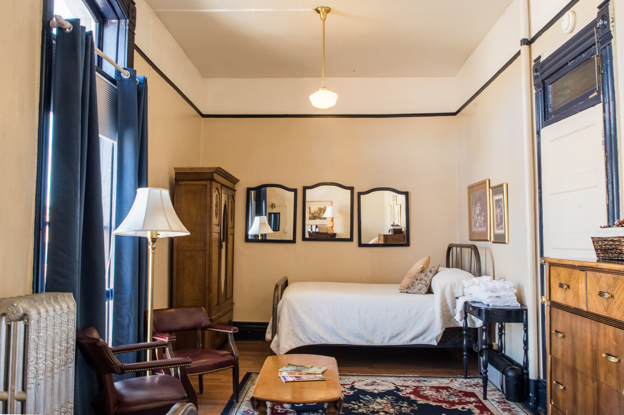 european-style-rooms-hotel-weatherford-flagstaff